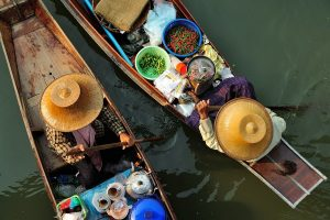 Private Railway Market and Floating Market tour from Bangkok ✅. Damnoen Saduak floating market, Maeklong railway market, Tha Kha floating market.
